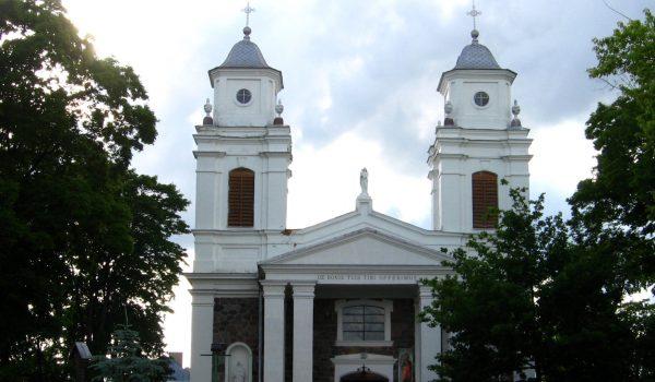 Lazdijų Šv.Onos bažnyčia